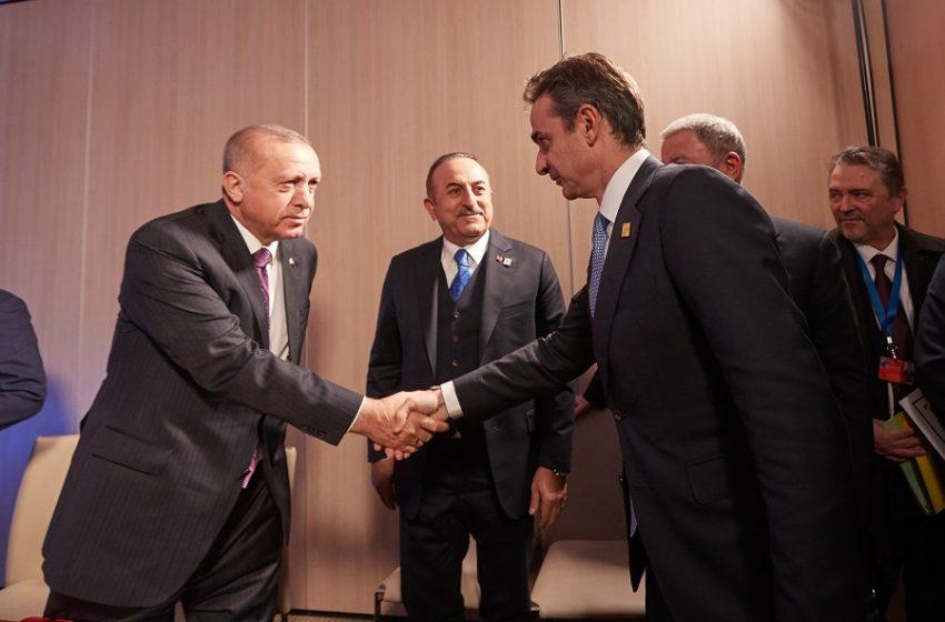 """Συνάντηση Μητσοτάκη με Ερντογάν χωρίς Δένδια, με Σουρανή και Καλίν – Γιατί """"απορρίφθηκε"""" το σύνηθες διπλωματικό μοντέλο"""