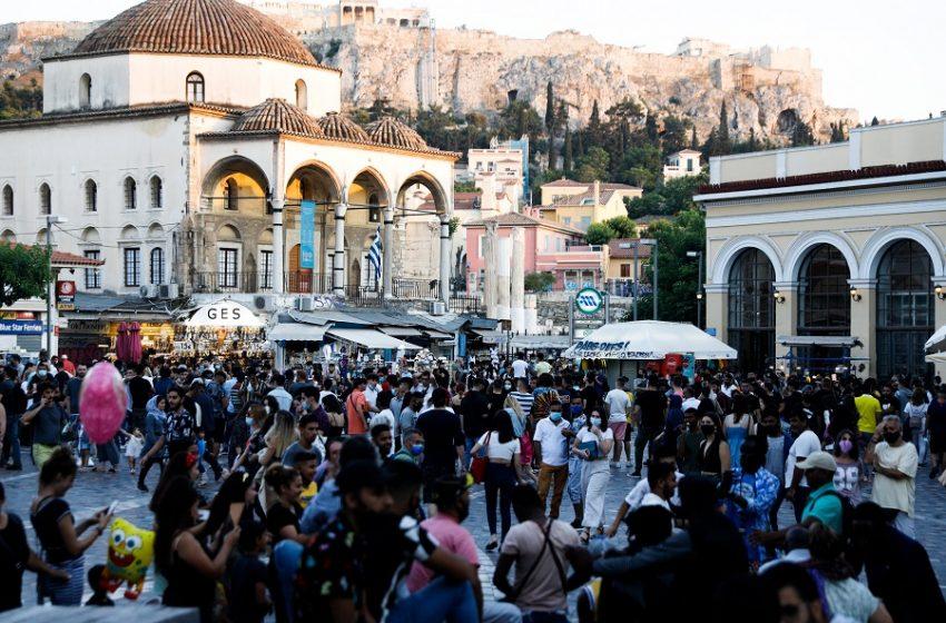 """""""Τσιμπάνε"""" οι νέοι στα 150αρια; Η στροφή Μητσοτάκη και η στρατηγική Τσίπρα για τους 17+"""
