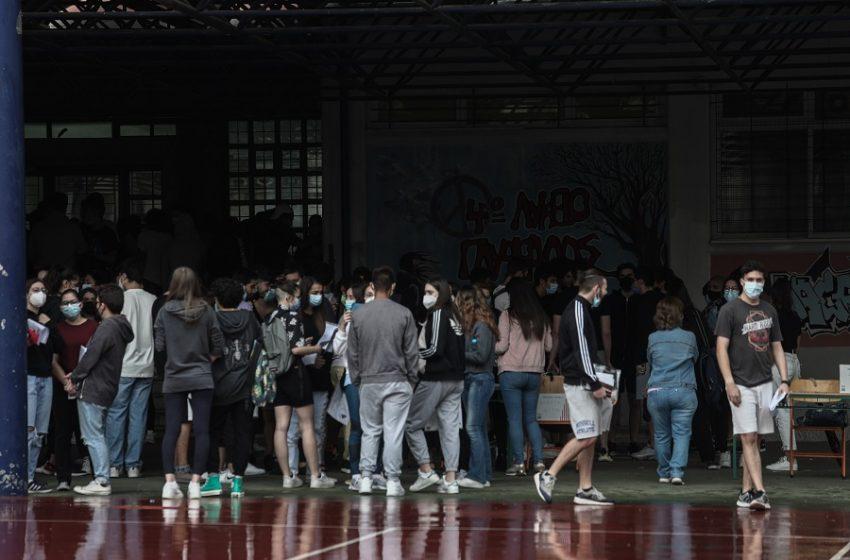 Πανελλαδικές: Στα Νέα Ελληνικά διαγωνίζονται οι υποψήφιοι των ΕΠΑΛ