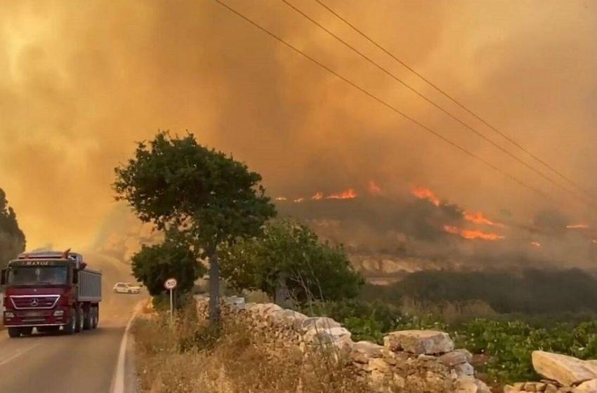 Αναζωπυρώσεις στην Πάρο: Μεταβαίνουν δυνάμεις από Αθήνα, Θεσσαλονίκη, Σάμο