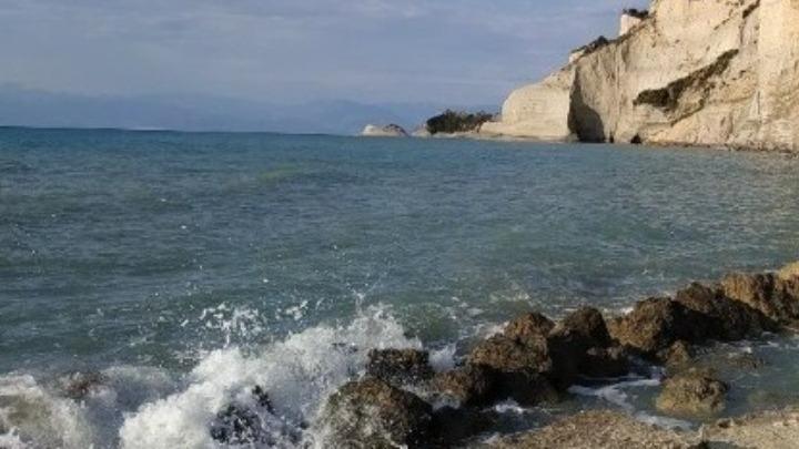 ΥΠΕΝ: Σύσκεψη για το φαινόμενο της βλέννας στα παράλια της Λήμνου