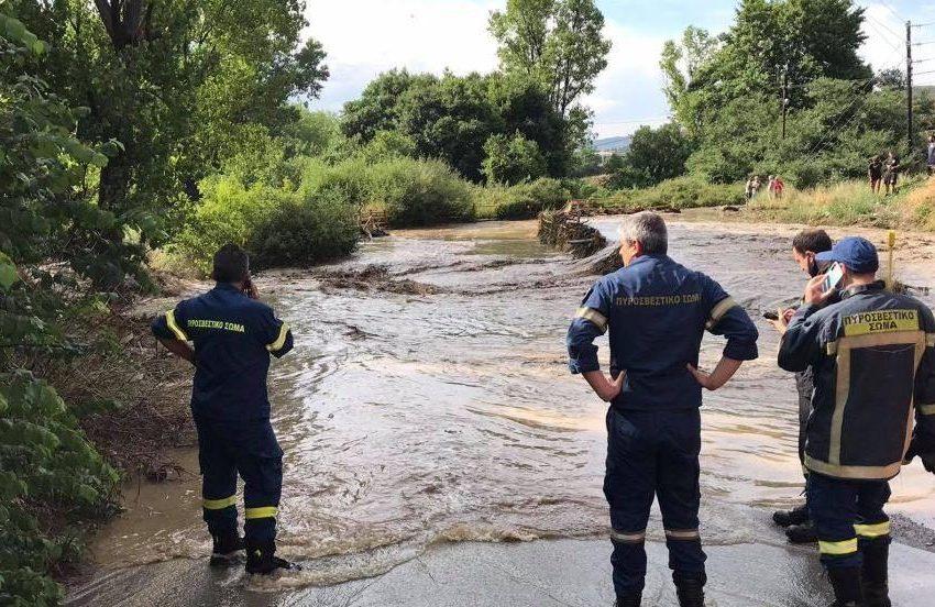Έρευνες για αγνοούμενο που παρασύρθηκε από τα ορμητικά νερά στη Θεσσαλονίκη