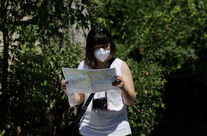 Πράσινο φως για επίσκεψη τουριστών με μη εγκεκριμένα εμβόλια από τον EMA