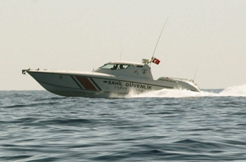 """Σοβαρό περιστατικό: Σκάφος της τουρκικής ακτοφυλακής """"χτύπησε"""" ελληνικό το οποίο υπέστη ζημιές"""