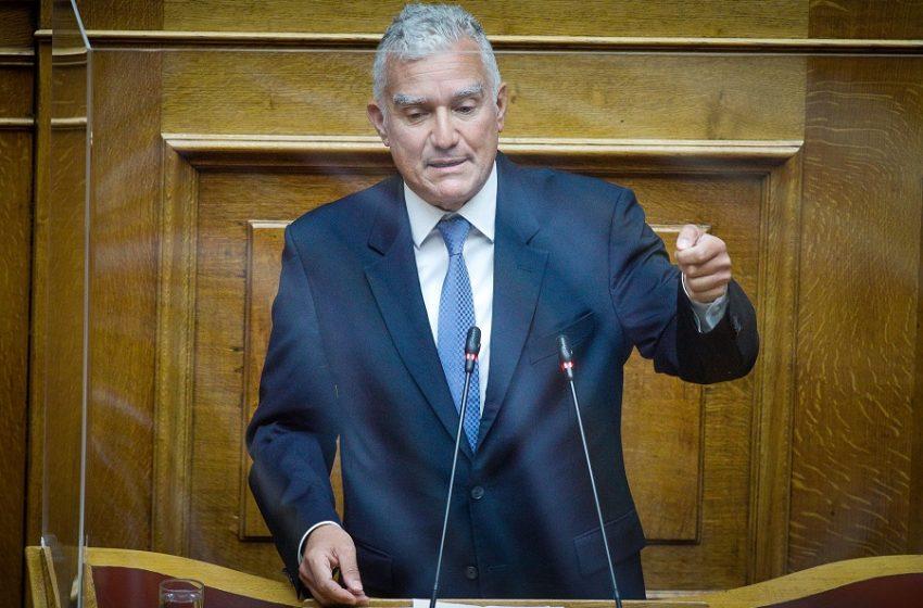 """Απίστευτη δήλωση βουλευτή ΝΔ: """"Το  10ωρο εργασίας θα μειώσει το κόστος μετακίνησης"""""""