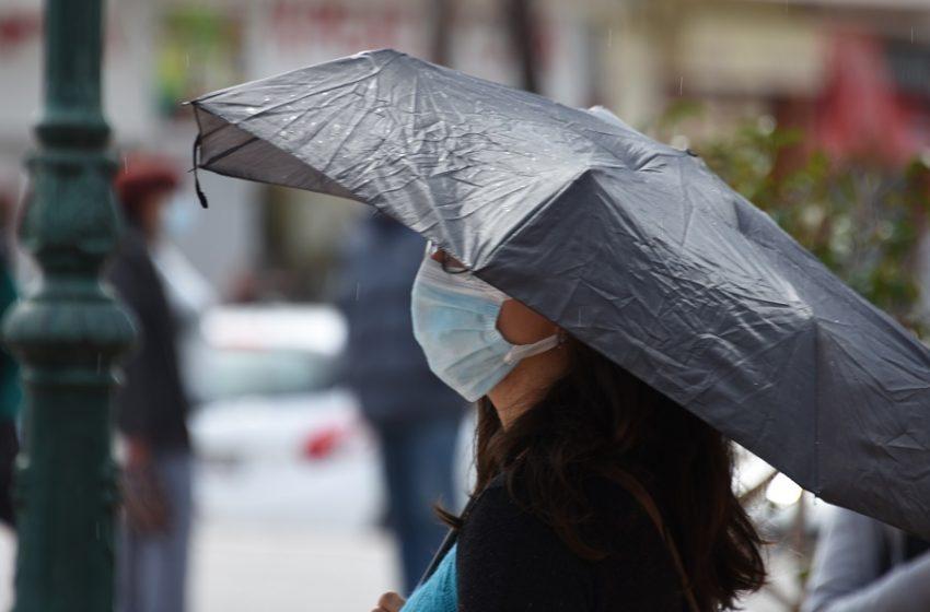 Kαλοκαιρινό μπουρίνι στην Αθήνα – Βροχές προβλέπονται και για την Πεμπτη