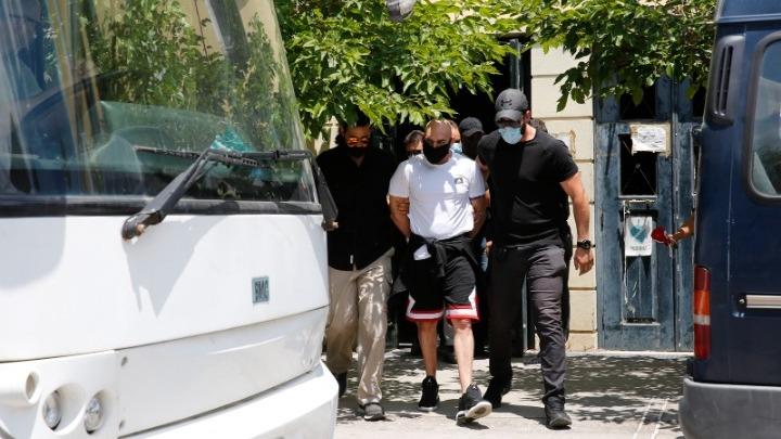 Στη φυλακή τέσσερις από τους οκτώ συλληφθέντες για τη δολοφονία Κλουτσινιώτη