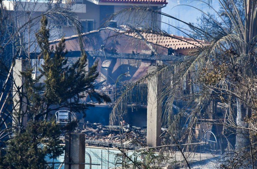 Πύρινος εφιάλτης στην Πάτρα: Έκαιγε όλη νύχτα η φωτιά – Σε απόγνωση οι κάτοικοι