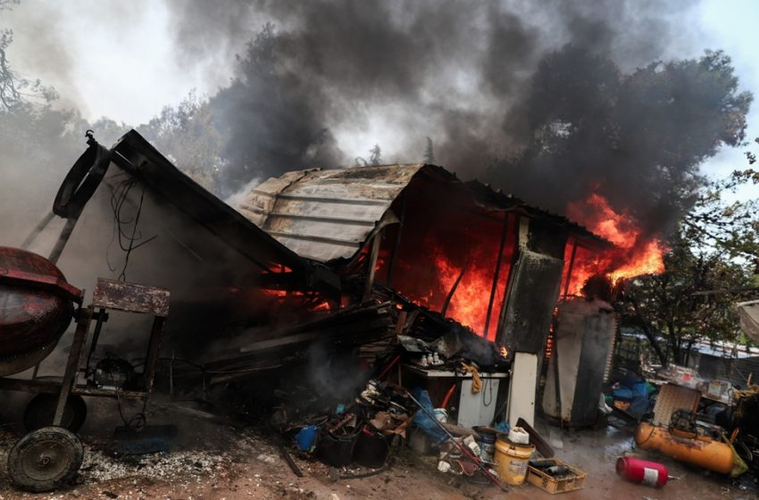 Φωτιά στην Σταμάτα: Μεγάλες οι καταστροφές – Για εμπρησμό εξ αμελείας κατηγορείται μελισσοκόμος