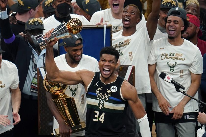 Ο Αντετοκούνμπο πρωταθλητής NBA – Με 50 πόντους οδήγησε τους Μπακς στην κορυφή του αμερικανικού πρωταθλήματος μετά από 5 δεκαετίες (vid)