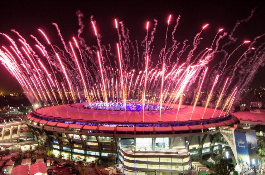Σε εξέλιξη η τελετή έναρξης των Ολυμπιακών Αγώνων – Απίστευτες εικόνες