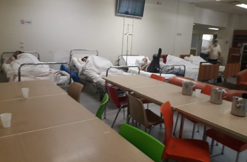 Ράντζα με ασθενείς ακόμη και στην τραπεζαρία στο Θριάσιο (εικόνες)