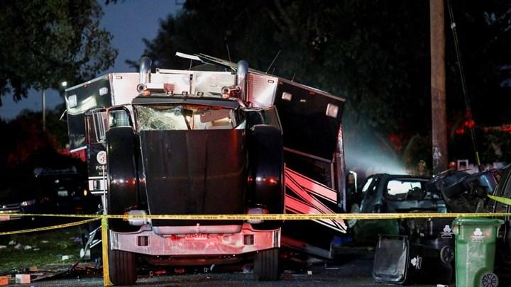 Εκρηξη σε φορτηγό με πυροτεχνήματα – 17 τραυματίες (vids)