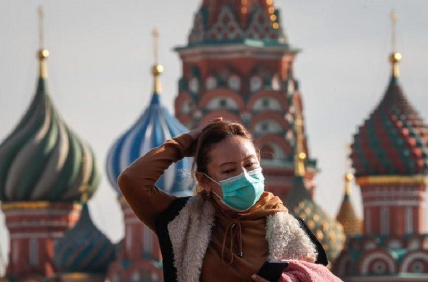 Ρωσία: Δεν συζητά την επιβολή lockdown στην χώρα το Κρεμλίνο