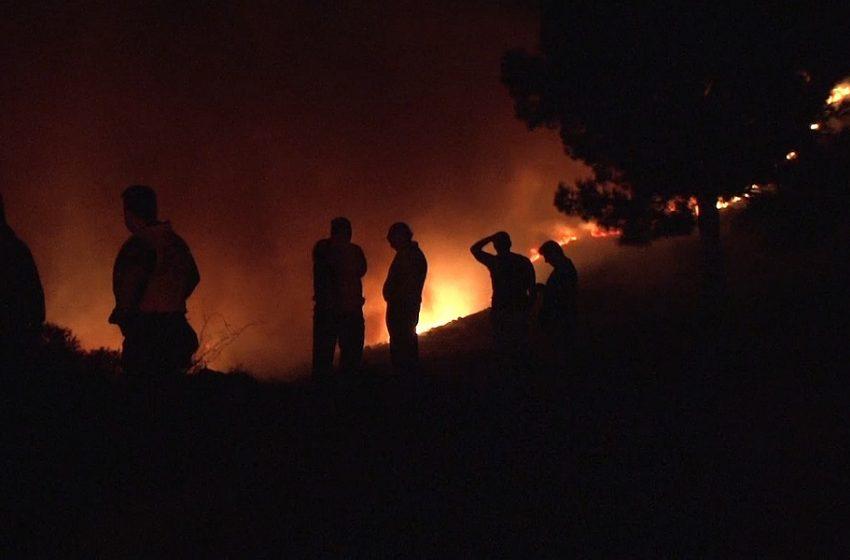 Πυρκαγιές: Ολονύχτια επιφυλακή σε Στύρα και Βαρνάβα