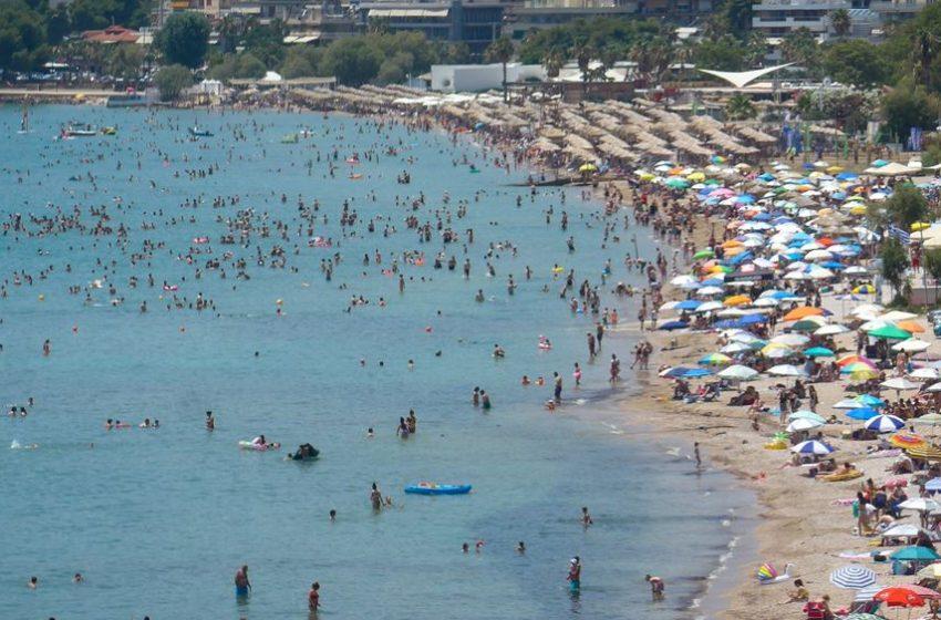 Ανοίγουν δωρεάν οργανωμένες παραλίες για τους πολίτες λόγω καύσωνα