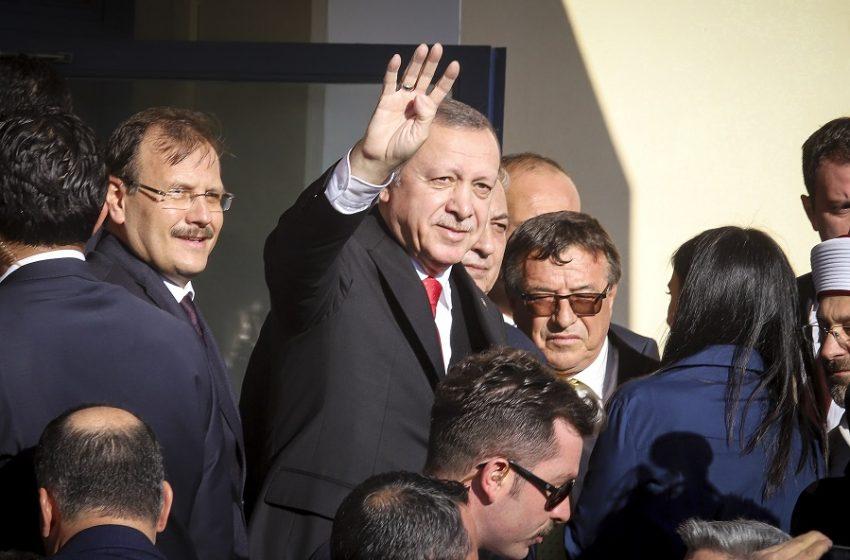 Στο γήπεδο της κατεχόμενης Λευκωσίας ο Ερντογάν – Θα παρακολουθήσει ποδοσφαιρικό αγώνα