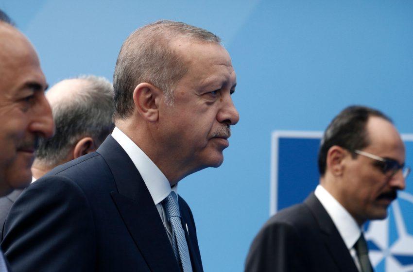 Νέα ερωτήματα για την υγεία τού Ερντογάν – Το βίντεο που προκάλεσε την οργή του