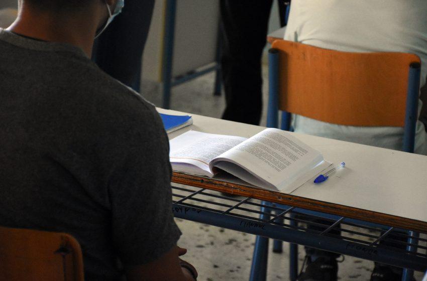 """Με τις ψήφους της ΝΔ πέρασε το νομοσχέδιο για το """"νέο σχολείο"""" στη Βουλή"""