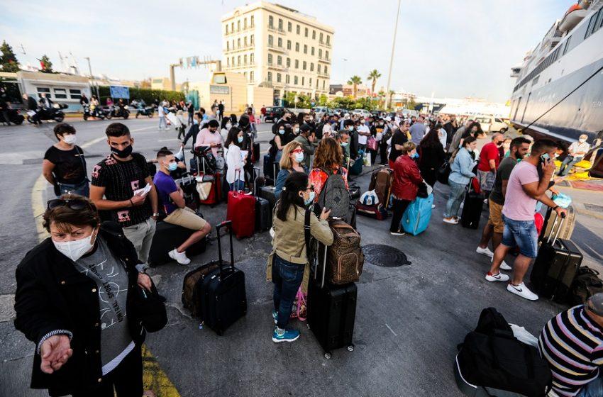 Εισήγηση λοιμωξιολόγων: Επιστροφή από τα νησιά με αρνητικό rapid test