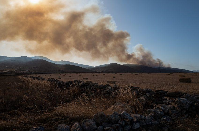 Υπό μερικό έλεγχο η πυρκαγιά στην Ύδρα – Καλύτερη η κατάσταση στη φωτιά της Χίου