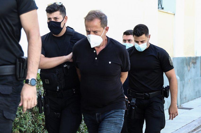 Αρνήθηκε να απαντήσει σε ερωτήσεις της ανακρίτριας ο Δημήτρης Λιγνάδης
