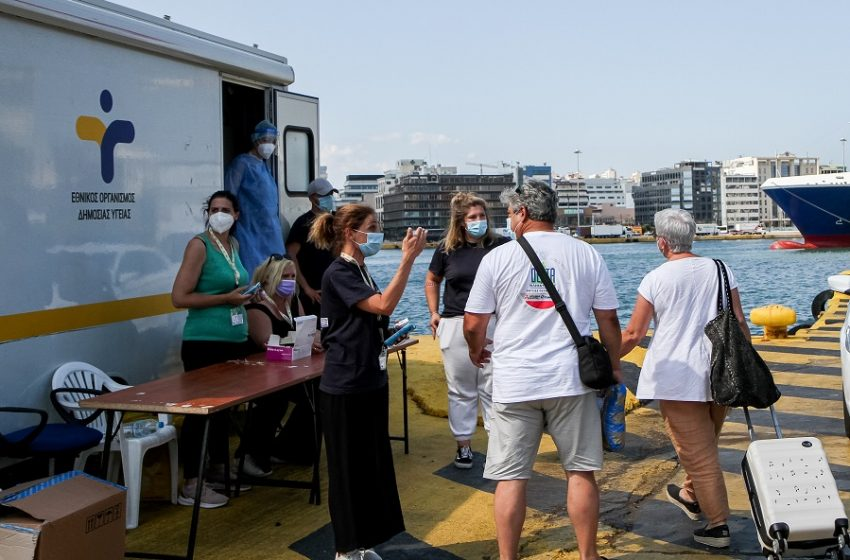 Πρόβλεψη Σαρηγιάννη για 6.500 κρούσματα γύρω στις 15 Αυγούστου