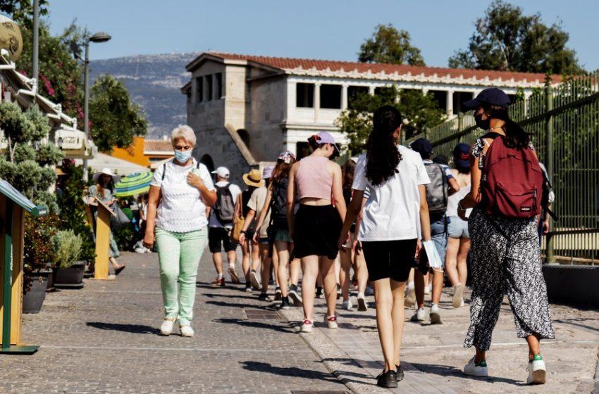 """Κοροναϊός: """"Βράζουν"""" η Αττική και το κέντρο της Αθήνας"""