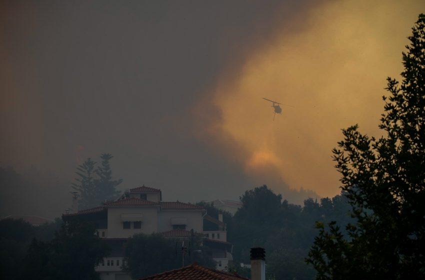 Πυρκαγιά σε δασική έκταση στον Αυλώνα Αττικής – Δεν απειλείται κατοικημένη περιοχή
