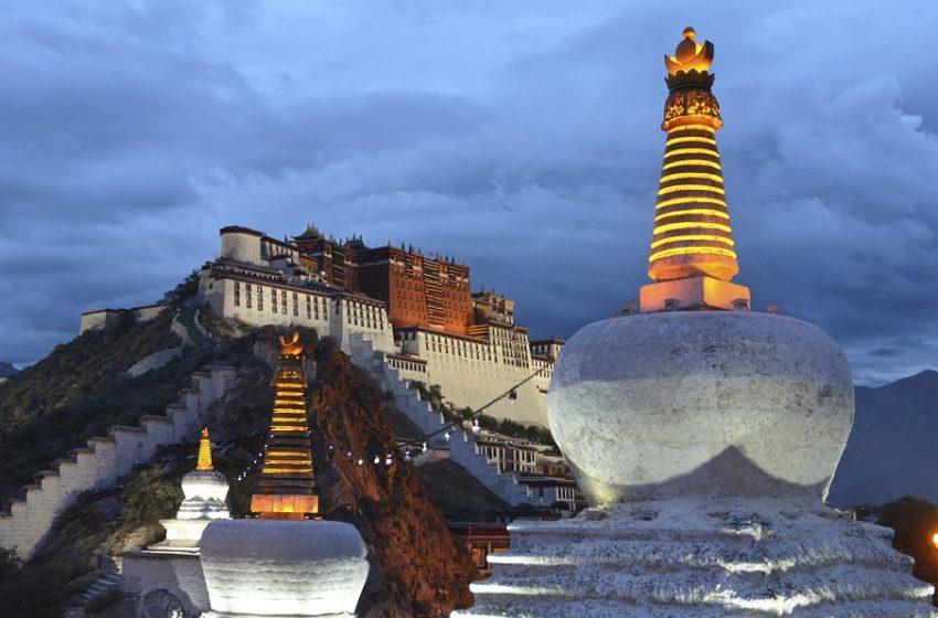 Κίνα: Ο πρόεδρος Σι επισκέφθηκε για πρώτη φορά το Θιβέτ