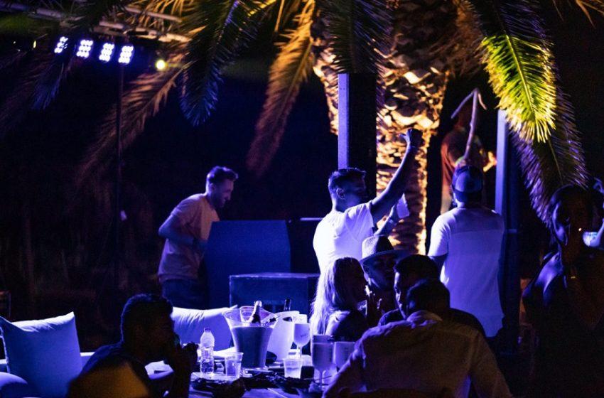 Beach bar στην παραλιακή: Αναβάλλονται όλα τα πάρτι μετά τη συρροή κρουσμάτων