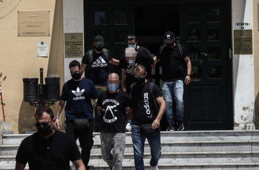 39χρονος αστυνομικός: Νέα καταγγελία για μαστροπεία – Αποκαλύψεις Τσίπρα για τον κατηγορούμενο (vid)