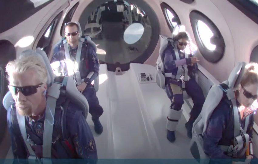 Ιστορικό γεγονός:Ολοκληρώθηκε η διαστημική πτήση  του Μπράνσον