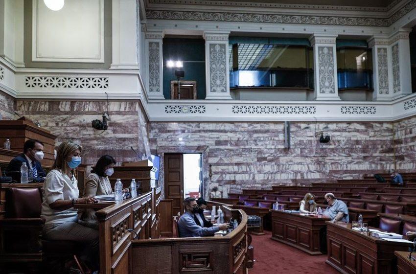 Κόντρα Κεραμέως – Φίλη για το νομοσχέδιο για το νέο σχολείο