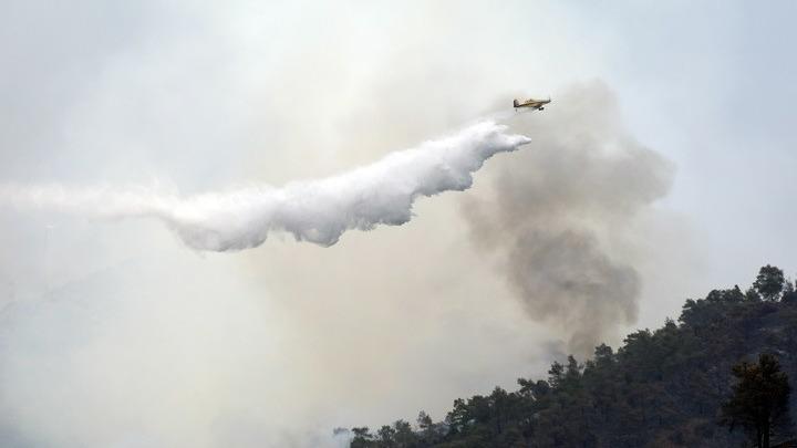 Στις φλόγες η Κύπρος – Τρία πύρινα μέτωπα σε πλήρη εξέλιξη