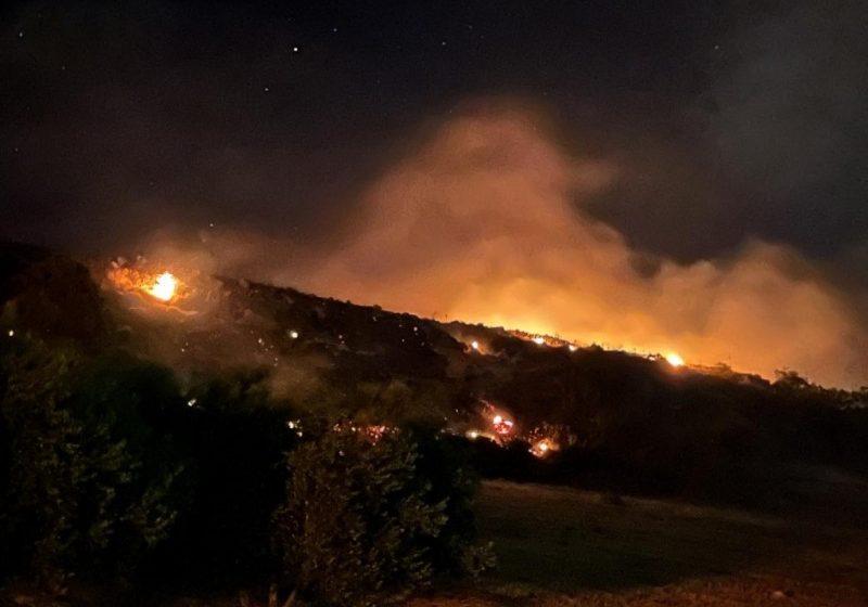 Φωτιά στο Ηράκλειο απείλησε σπίτια