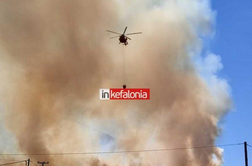Στις φλόγες η Κεφαλονιά – Εκκενώθηκαν χωριά, οικισμοί – Αποπνικτική ατμόσφαιρα, δύσκολη νύχτα για το νησί (vid)