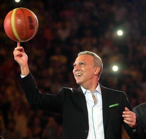 O Nίκος Γκάλης έγινε 64 ετών και το γιορτάζει με ένα συμβολικό tweet- Οι δύο αριθμοί που τον σημάδεψαν