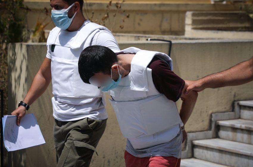 Δάφνη: Επιτέθηκαν να χτυπήσουν τον δράστη στην Ευελπίδων