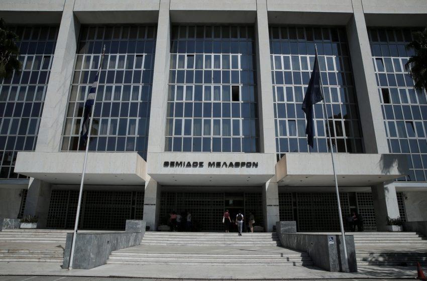 Βερβεσός κατά προέδρου του Αρείου Πάγου για την άρνηση να δώσει στοιχεία για καθυστερήσεις στη Δικαιοσύνη