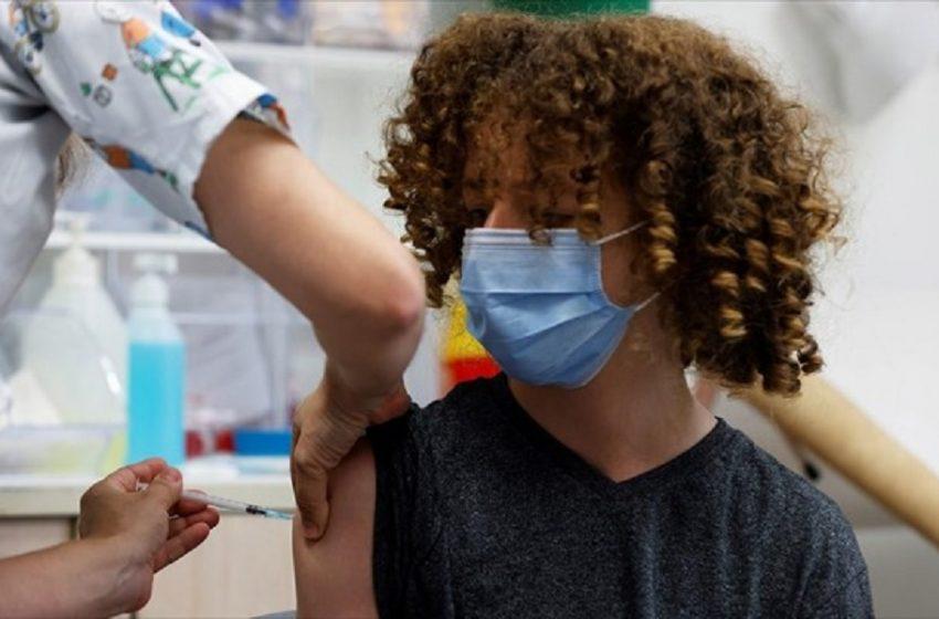 Βρετανία: Θα εμβολιάσει τους κλινικά ευάλωτους 12-15 ετών