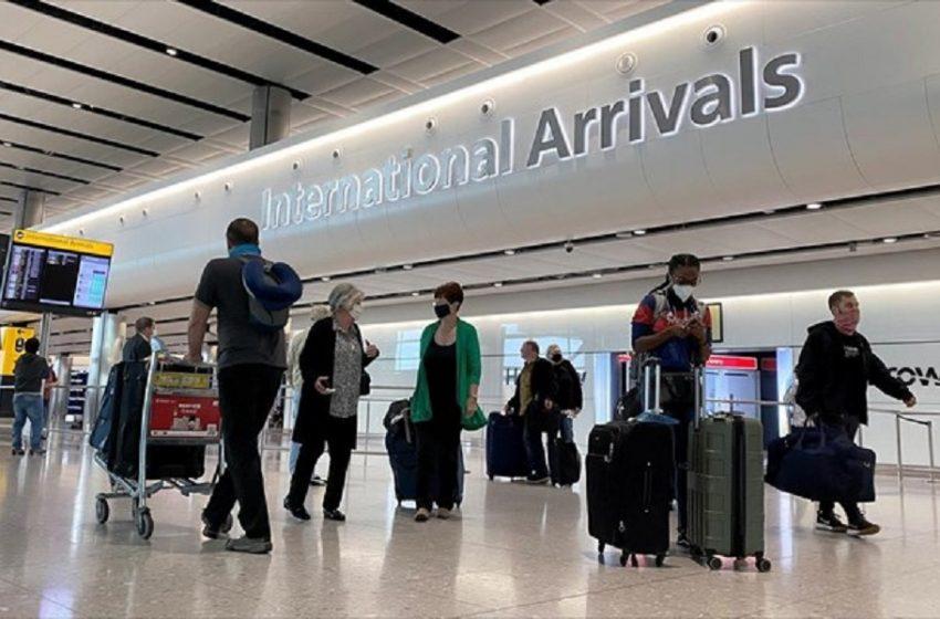 Η Αγγλία εξαιρεί από την καραντίνα τους ταξιδιώτες που έχουν εμβολιαστεί στην ΕΕ και στις ΗΠΑ