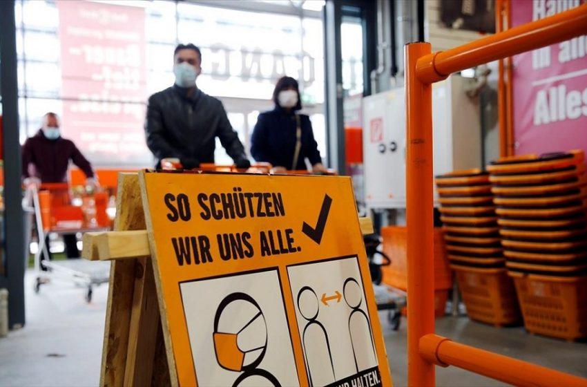 Η Αυστρία καταργεί την απαγόρευση κυκλοφορίας και ανοίγει τα μπαρ για χορό