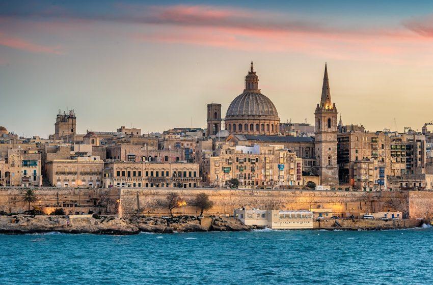 Μάλτα: H πρώτη χώρα που θα επιτρέπει την είσοδο μόνο σε εμβολιασμένους