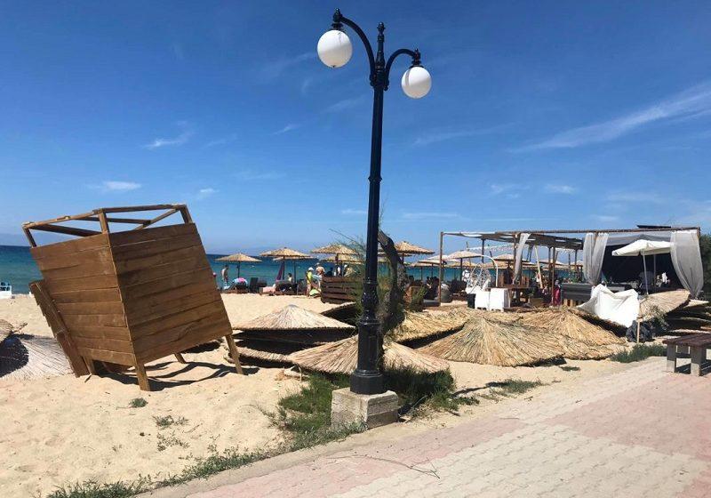 Χαλκιδική: Μινι ανεμοστρόβιλος σε παραλία