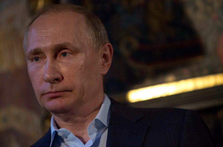 """Πούτιν: """"Ναι"""" στην επίσπευση, """"όχι"""" στην υποχρεωτικότητα των εμβολιασμών"""