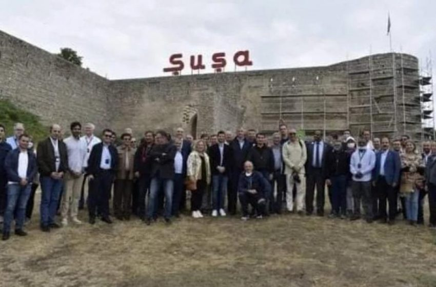 Σε γιορτή των Αζέρων για τον πόλεμο κατά της Αρμενίας ο Έλληνας πρέσβης
