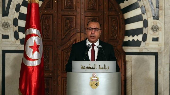 Χάος στην Τυνησία: Ο στρατός έξω από το πρωθυπουργικό μέγαρο – Η αστυνομία εισέβαλε στα γραφεία του Al Jazeera