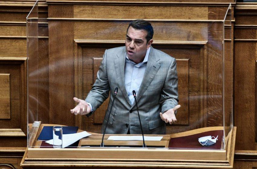 Τσίπρας σε Μητσοτάκη: Έχετε άγνοια του ελληνικού πανεπιστημίου και της διαδικασίας των εξετάσεων