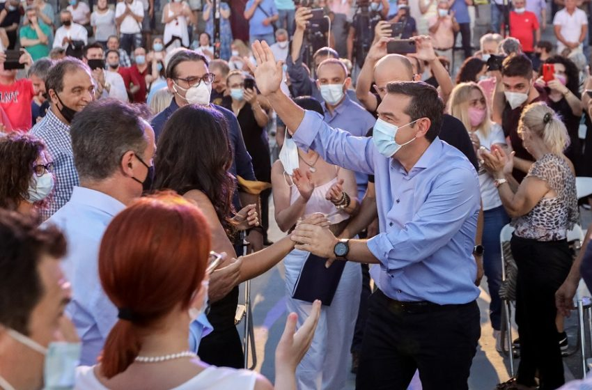 Γιατί ο Τσίπρας επιμένει ότι ο Κυριάκος Μητσοτάκης σκέφτεται τον εκλογικό αιφνιδιασμό